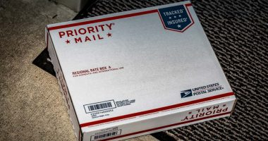 does usps deliver at night